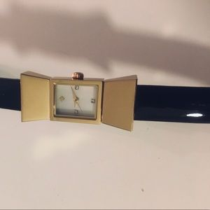 NWOT♠️Kate Spade black patent leather bowtie watch